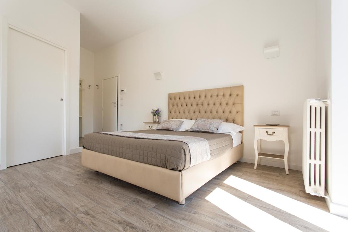 stanza Roma-residence-le-vie-del-centro-beb-bed-and-breakfast-appartamento-casa-vacanze-matera-basilicata